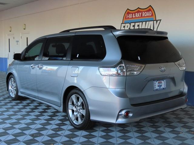 Used 2013 Toyota Sienna SE 8-Passenger