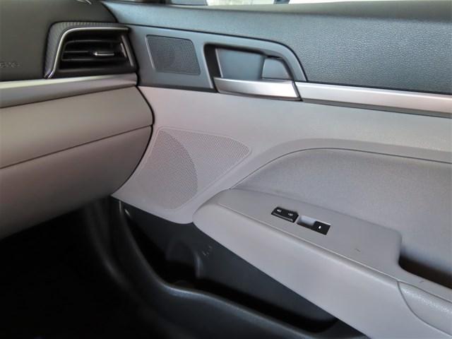 Used 2019 Hyundai Elantra SE
