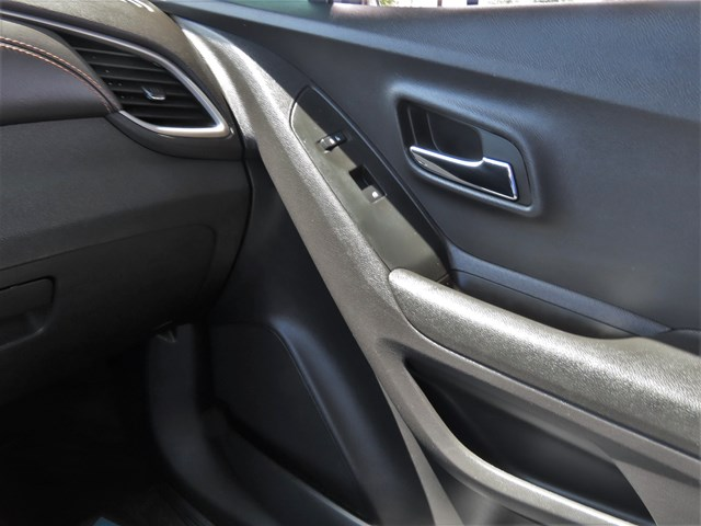 Used 2020 Chevrolet Trax LS