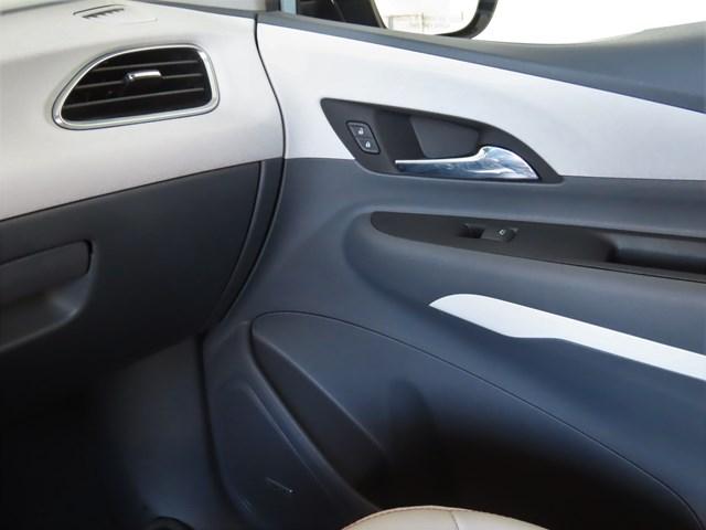Certified Pre-Owned 2017 Chevrolet Bolt EV Premier