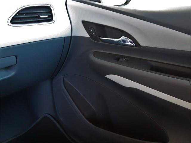 Certified Pre-Owned 2017 Chevrolet Bolt EV LT