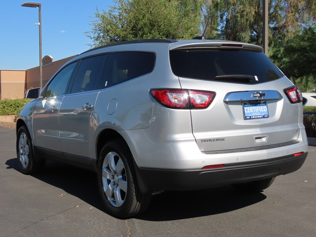 Used 2017 Chevrolet Traverse LT