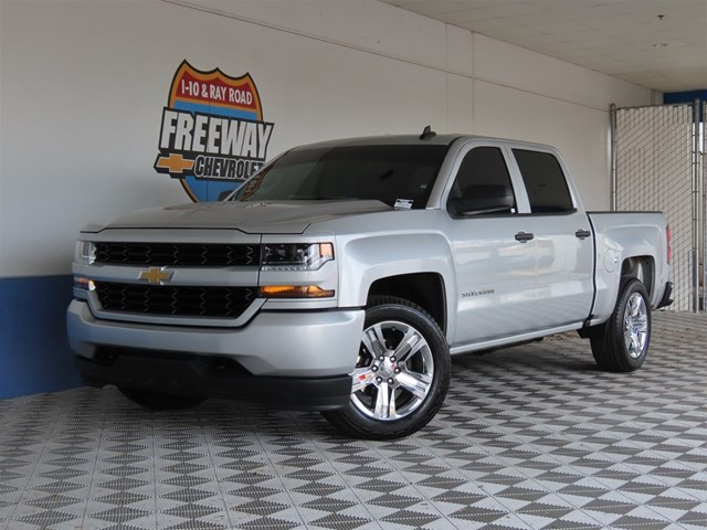 Certified Pre-Owned 2018 Chevrolet Silverado 1500 Custom Crew Cab