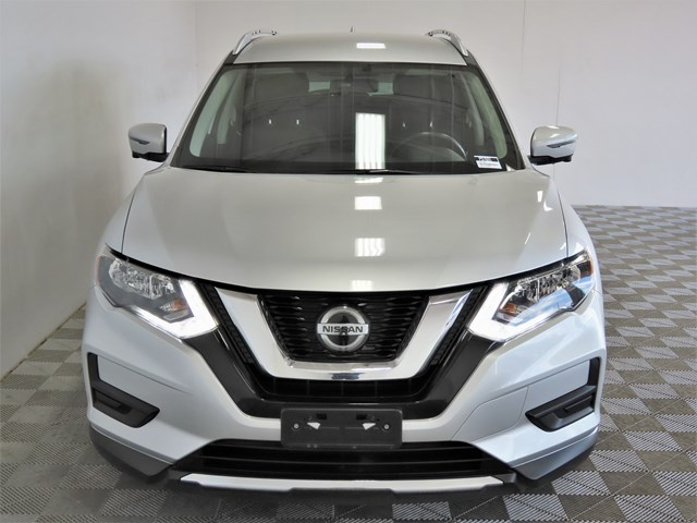 Used 2018 Nissan Rogue SV