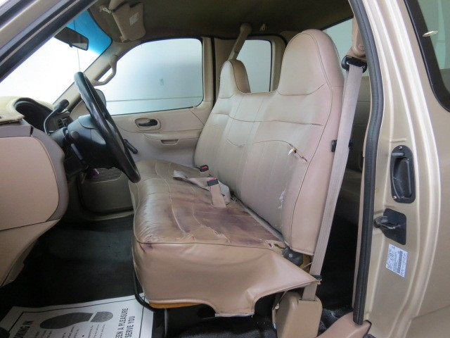 1999 Ford F-150 Lariat Extended Cab – Stock #171644B