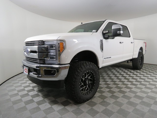 2019 Ford F-250 Super Duty Crew Cab Lariat Custom