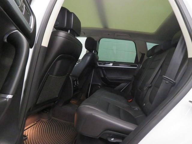 2015 Volkswagen Touareg Sport
