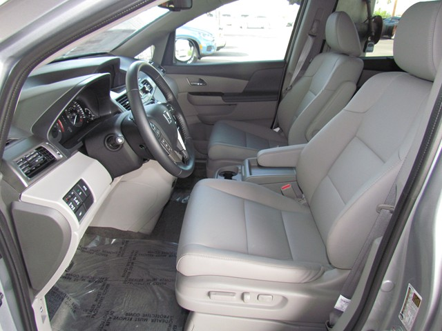 2016 Honda Odyssey EX-L – Stock #H1624600