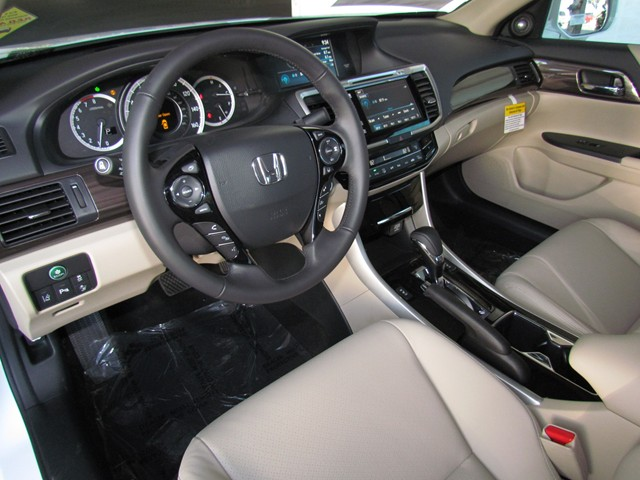 2017 Honda Accord Sdn Touring – Stock #H1705840