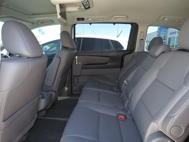 2017 Honda Odyssey Touring – Stock #H1706100