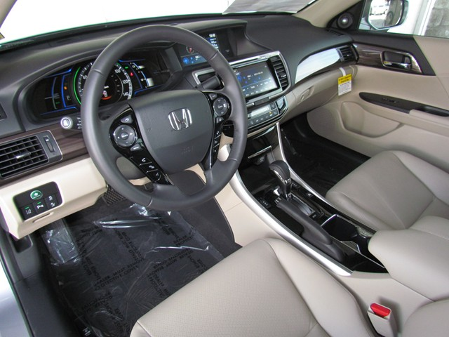 2017 Honda Accord Hybrid Touring – Stock #H1707280