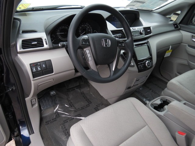 2017 Honda Odyssey SE – Stock #H1707650