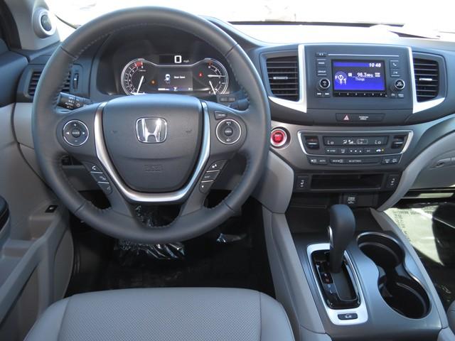 2017 Honda Ridgeline RTL – Stock #H1708740