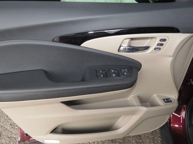 2020 Honda Pilot Touring-7P