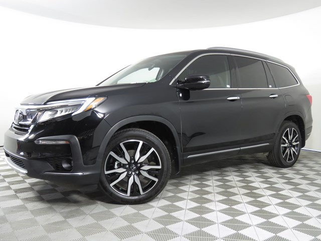 Certified Pre-Owned 2019 Honda Pilot Touring-8P
