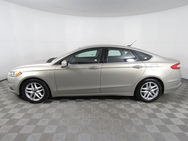 Used 2016 Ford Fusion SE