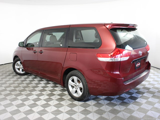 Used 2011 Toyota Sienna  7-Passenger