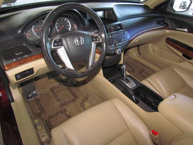 2011 Honda Accord EX-L – Stock #HT67110A
