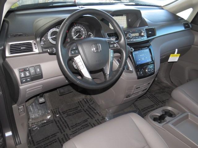2016 Honda Odyssey Touring – Stock #H1602120