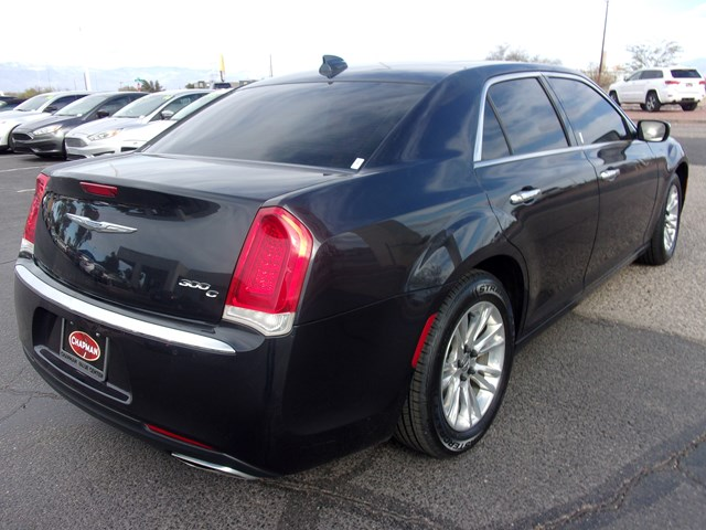 Used 2017 Chrysler 300 C