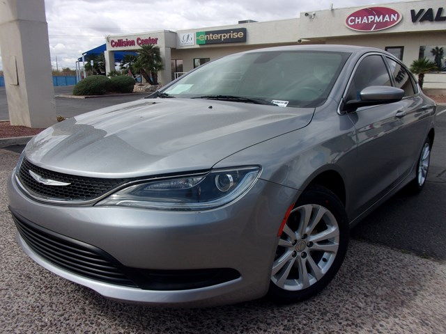 2016 Chrysler 200 LX