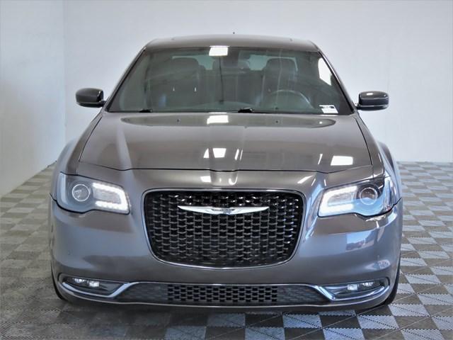 2016 Chrysler 300 S