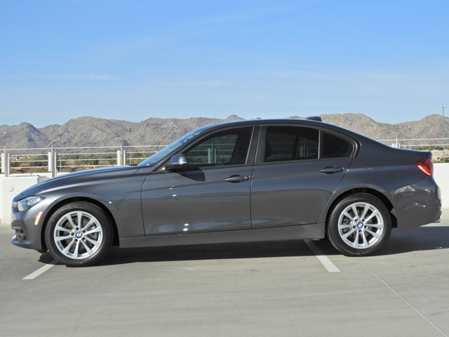 2017 BMW 320i xDrive Sedan – Stock #L471032