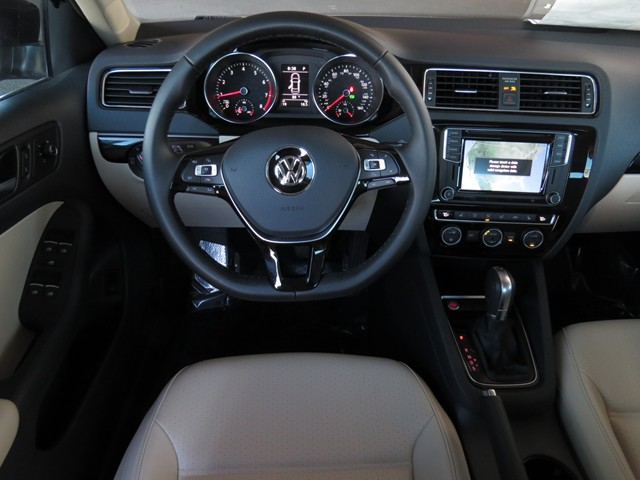2017 Volkswagen Jetta Sedan 1.8T SEL – Stock #V1700640