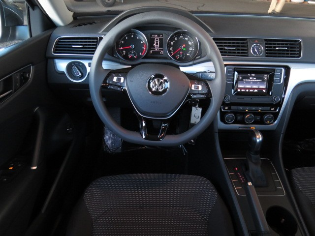 2017 Volkswagen Passat 1.8T S – Stock #V1700870