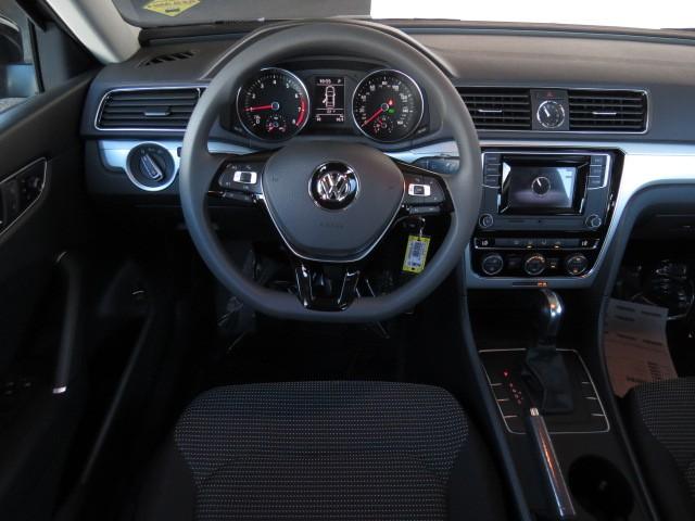 2017 Volkswagen Passat 1.8T S – Stock #V1700940