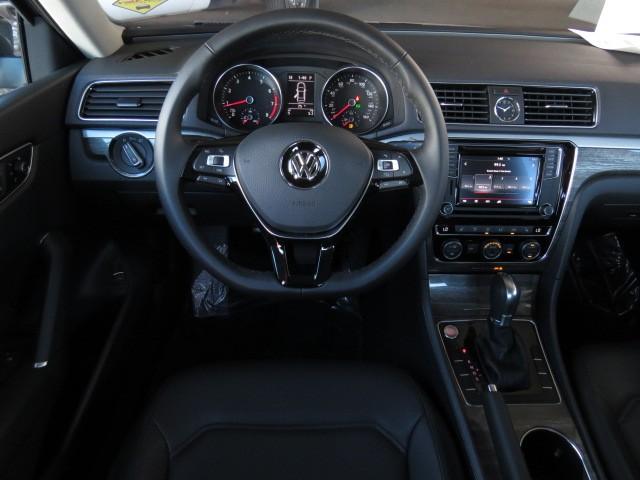 2017 Volkswagen Passat 1.8T SE – Stock #V1700960