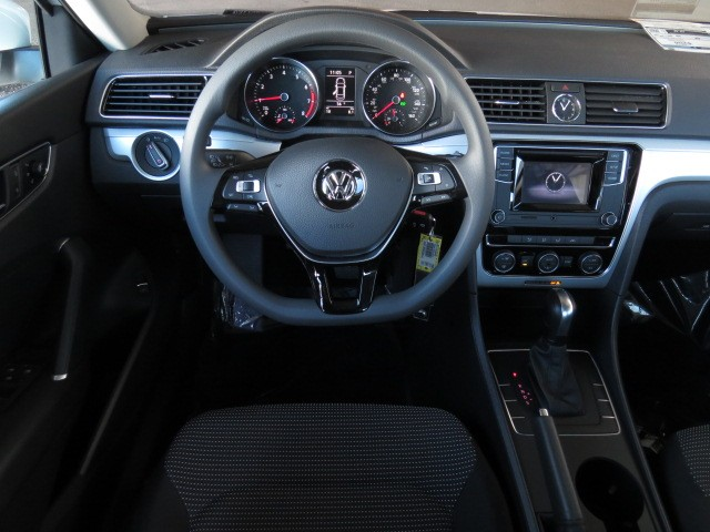 2017 Volkswagen Passat 1.8T S – Stock #V1701150