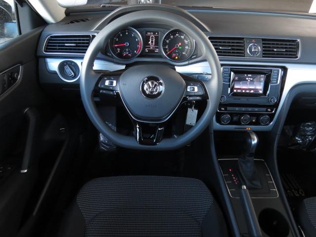 2017 Volkswagen Passat 1.8T S – Stock #V1701170