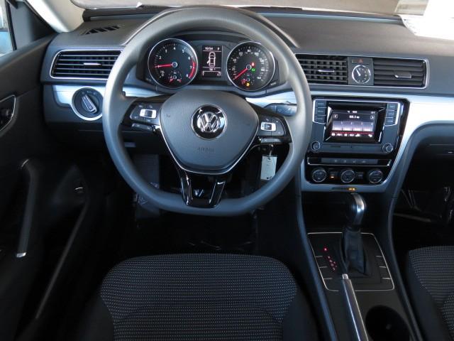 2017 Volkswagen Passat 1.8T S – Stock #V1701200