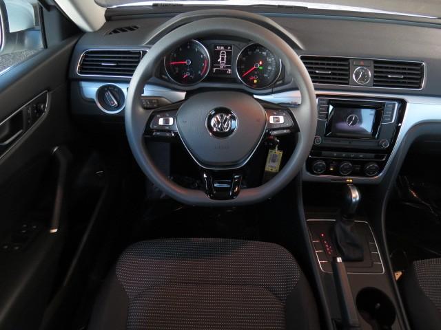 2017 Volkswagen Passat 1.8T S – Stock #V1701210