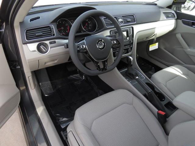 2017 Volkswagen Passat 1.8T S – Stock #V1701350