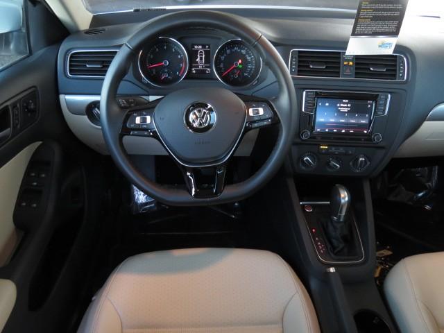 2017 Volkswagen Jetta Sedan 1.4T SE – Stock #V1701460