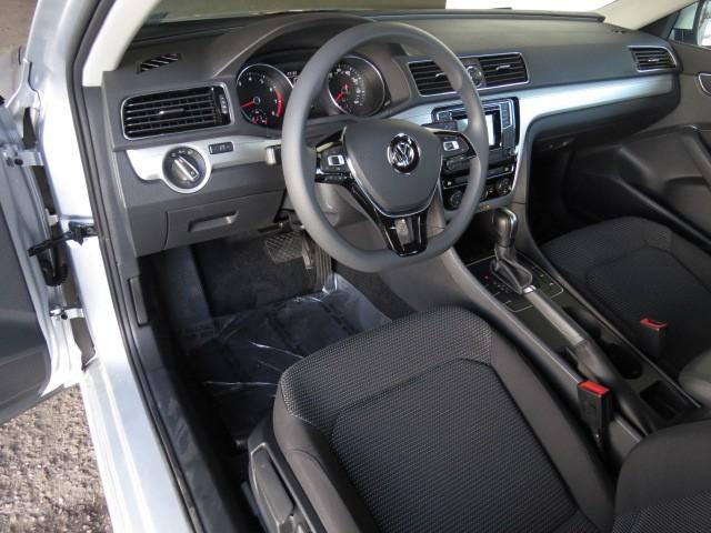 2017 Volkswagen Passat 1.8T S – Stock #V1701860