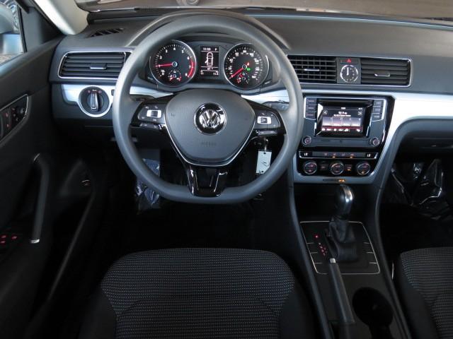 2017 Volkswagen Passat 1.8T S – Stock #V1701870