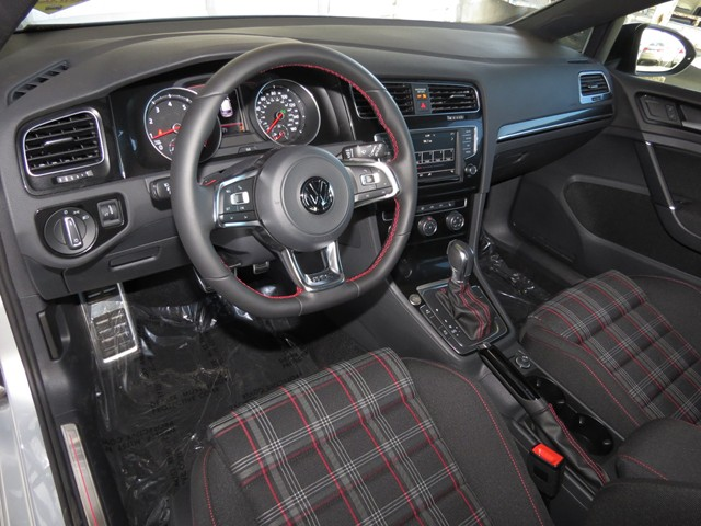 2017 Volkswagen Golf GTI Sport – Stock #V1702790
