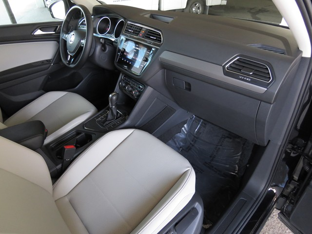 2018 volkswagen tiguan interior. plain tiguan 2018 volkswagen tiguan 20t se u2013 stock v1800120 with volkswagen tiguan interior