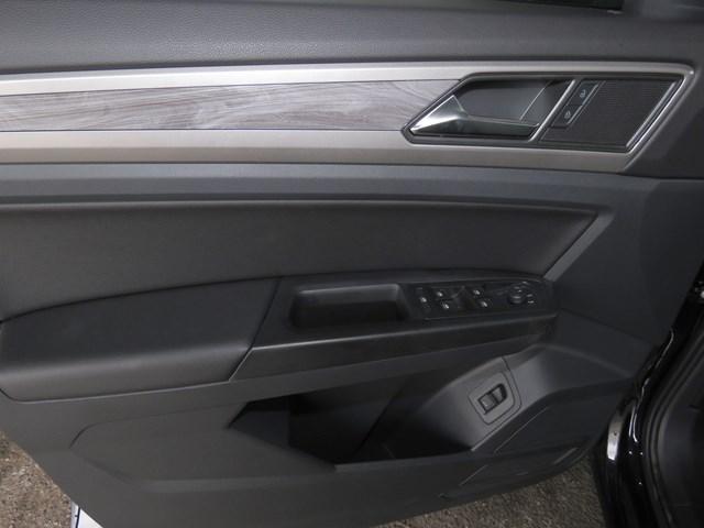 2020 Volkswagen Atlas Cross Sport 2.0T SE 4Motion