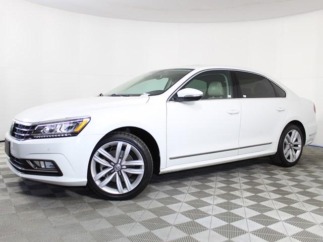 Used 2017 Volkswagen Passat 1.8T SE