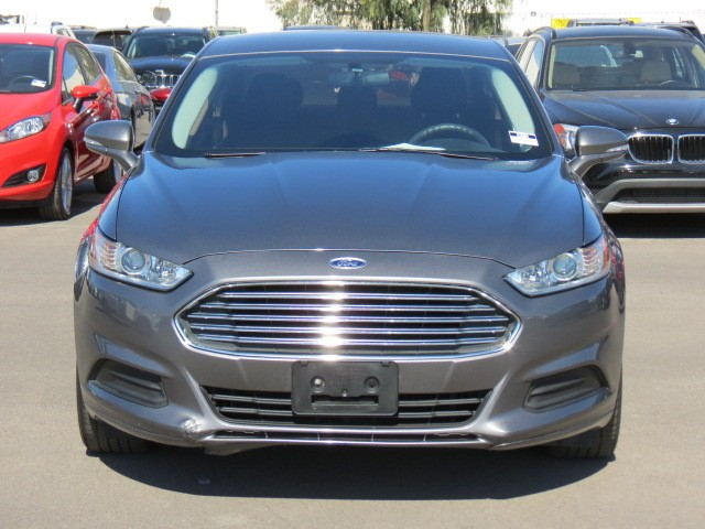 used 2014 ford fusion se for sale stock 63884 chapman. Black Bedroom Furniture Sets. Home Design Ideas