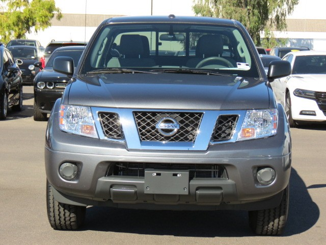 used 2016 nissan frontier sv crew cab for sale at chapman mazda stock 70069. Black Bedroom Furniture Sets. Home Design Ideas