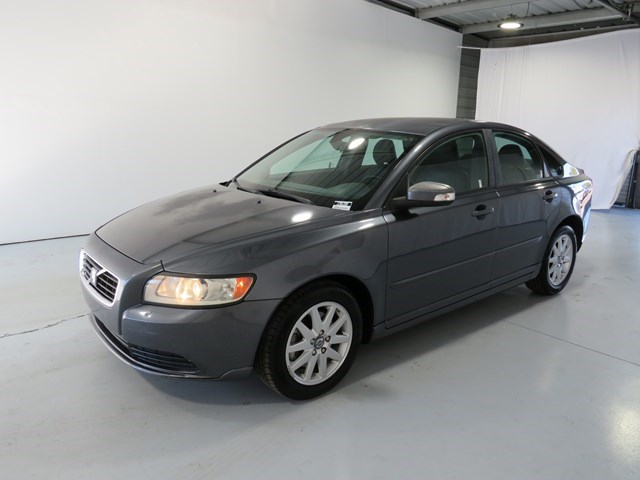 used 2008 Volvo S40 car, priced at $4,795