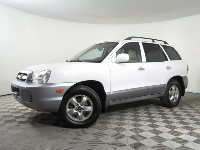 used 2005 Hyundai Santa Fe car, priced at $6,529